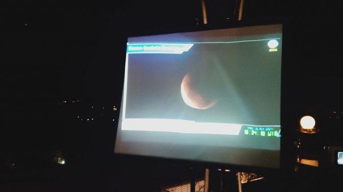 Melihat Keindahan Superblood Moon di Ketinggian Bandung di Kafe Lereng Anteng