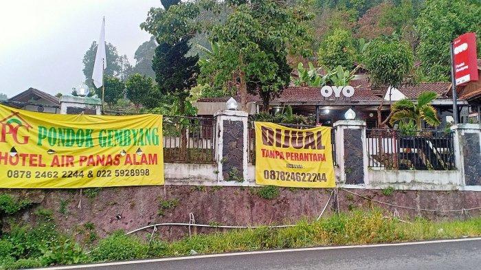 Hotel Pondok Gembyang di Rancabali, Kabupaten Bandung yang ditawarkan kepada pembeli karena beratnya beban operasional.