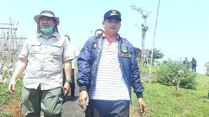 Wagub Jabar, Uu Ruzhanul Ulum meninjau Bumi Semesta makmur Farm di Darangdan, Purwakarta, Rabu (25/8/2021)