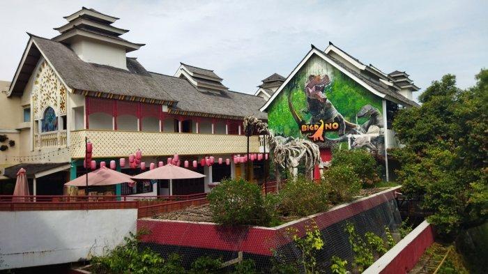 Objek Wisata The Great Asia Africa Lembang yang ditutup sementara akibat zona merah pandemi Covid-19 di Kabupaten Bandung Barat