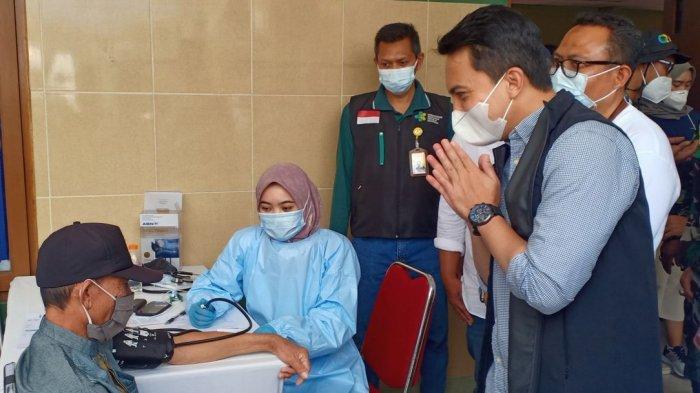 Vaksinasi digelar di Hotel Abang, Ciwidey, Kabupaten Bandung, Minggu (19/9/2021)