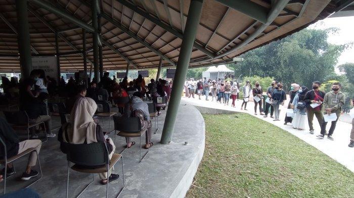 Vaksinasi di tempat Wisata Dusun Bambu Cisarua, Seusai Divaksin Peserta Menghirup Segarnya Alam