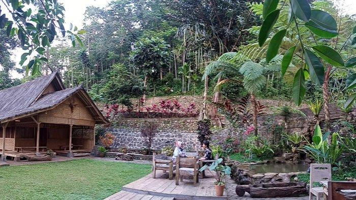 Wisata Alam Santosa di Pasir Impun, Kecamatan Cimenyan, Kabupaten Bandung