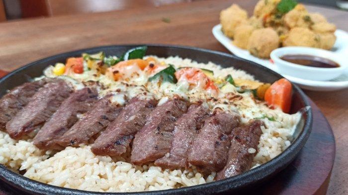 Australian Beef Baked Rice, Daging Sapi Empuk dan Mudah Dikunyah, Menu Andalan di Kafe Ini