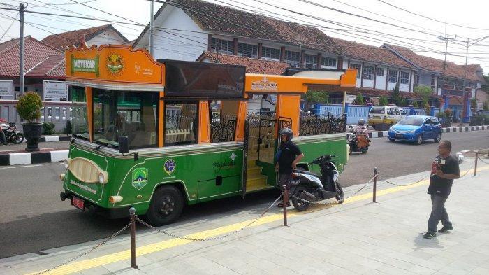 Dinas Pariwisata Kabupaten Majalengka Siapkan Bus Motekar untuk Ngabuburit Warga Keliling Kota
