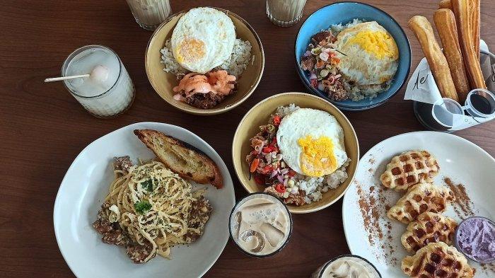 Aneka menu di de.u coffee, Jalan Dipatiukur No 23, Bandung
