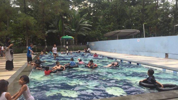 Kolam renang di Taman Lalu Lintas, Jalan Belitung No 1, Kota Bandung