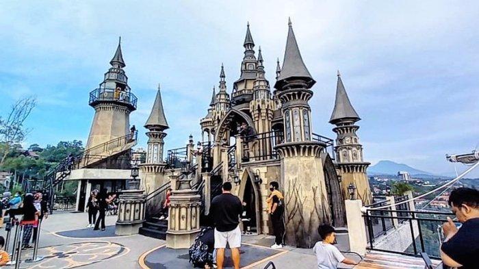 Berfoto-foto di Kastil Ala Eropa di Kawasan Bandung Utara, Bisa Lihat Kota Bandung dari Ketinggian