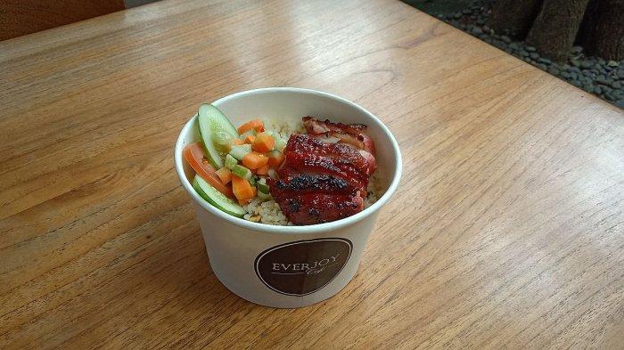 Sedapnya Nasi Goreng Ayam Panggang Madu dalam Rice Bowl Ala Everjoy Cafe