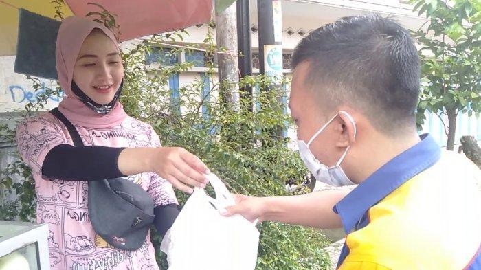 Dalam Seminggu Omzet Naik 10 Kali Lipat, Rujak Jambu Kristal Tari Putri Laris Manis dan Segar