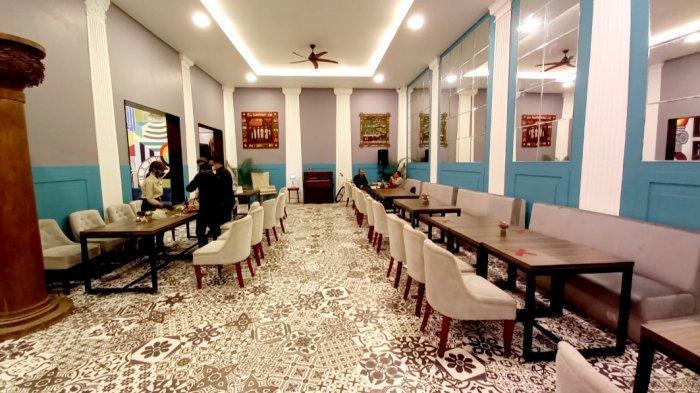 Menikmati Menu Lezat di  Roemah Kentang 1908, Resto & Lounge Ini Memiliki Tiga Desain Interior