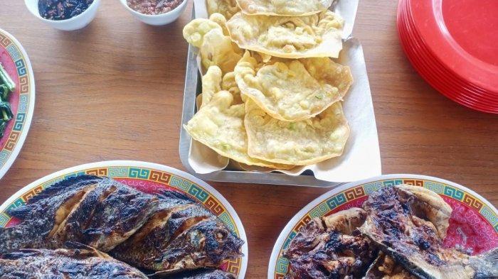 Menikmati Aneka Kuliner Khas Sunda Sambil Berwisata di Saung Bumdes Pangandaran