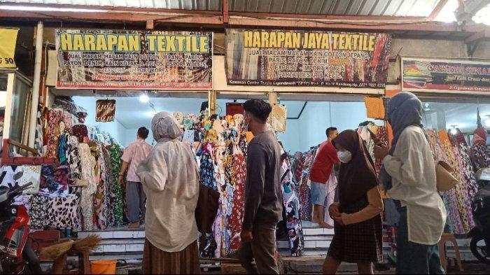 Ramai-ramai Belanja Kain untuk Lebaran di Kawasan Tekstil Cigondewah, Bisa Beli Meteran atau Kiloan