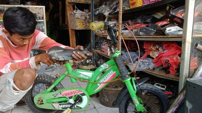 Penjual Sepeda Bekas di Rancaekek Ini Juga Buka Bengkel, Konsumennya Meningkat Saat Pandemi