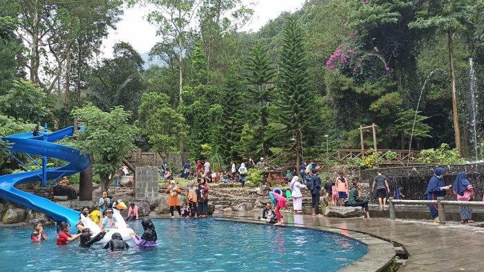 Sekitar 300 Wisatawan Datangi Taman Wisata Bougenville Gunung Puntang, Tiket Rp 35.000 Bisa Berenang