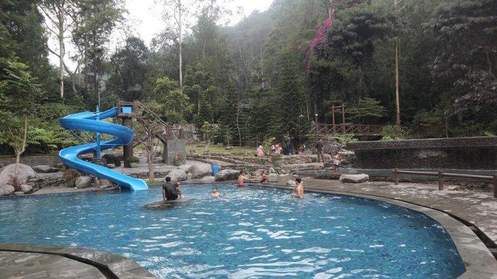 4 Wisata Kolam Renang Cocok Untuk Liburan Bersama Keluarga