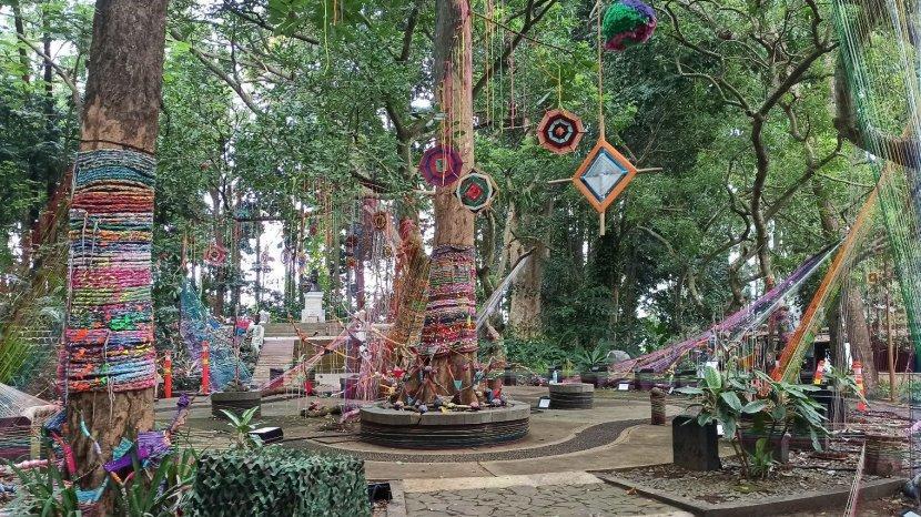 Taman Hutan Raya di Kawasan Dago Pakar Masih Tutup, Wisatawan Pun Belum Bisa Nikmati Hutan Menyala