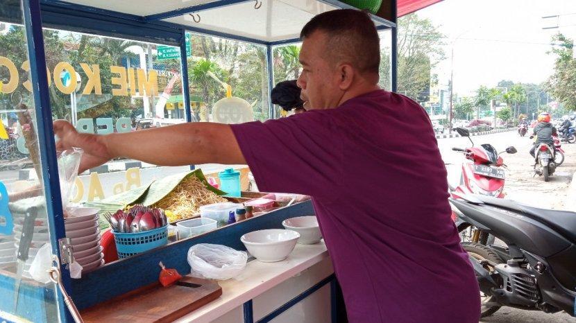 Mie Kocok Persib, Rasa Juara yang Melegenda Sejak 1963, Setia di Depan Sidolig