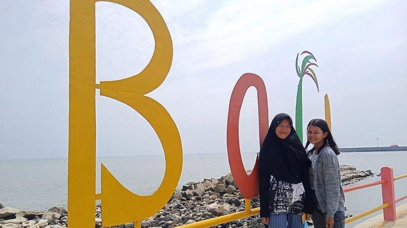 Pantai Balongan Indah Indramayu Buka Lagi, Pengelola dan Pedagang Gembira Sambut Wisatawan