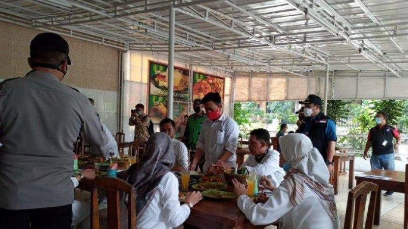 Asosiasi Kafe dan Restoran Pertanyakan Manfaat Sertifikat CHSE Jika Tidak Boleh Makan di Tempat