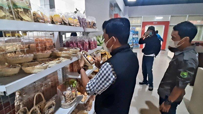 Di Rest Area Rosin Tersedia Aneka Oleh-oleh Khas Subang Produksi UMKM