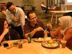Resto Mewah Hadirkan Menu Murah di The Plaza Food and Bar Hotel Mercure Bandung City Center