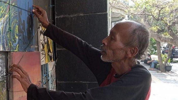 Ade Rahmat, pelukis di Jalan Braga, Bandung
