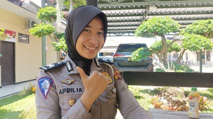 Briptu Aprilia, Polisi Wanita Bersuara Merdu dari Polres Indramayu, Favoritnya Lagu Keroncong