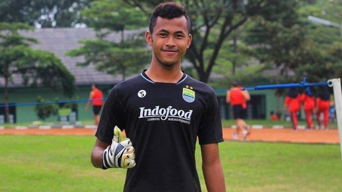 Aqil Savik, Rekor Kiper Persib Bandung Senior yang Termuda