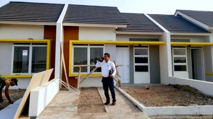 Dadie Mulyadi di proyek perumahan