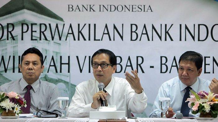 Kepala PPATK Dian Ediana Rae (tengah) saat berkunjung ke Kantor Perwakilan Bank Indonesia Bandung