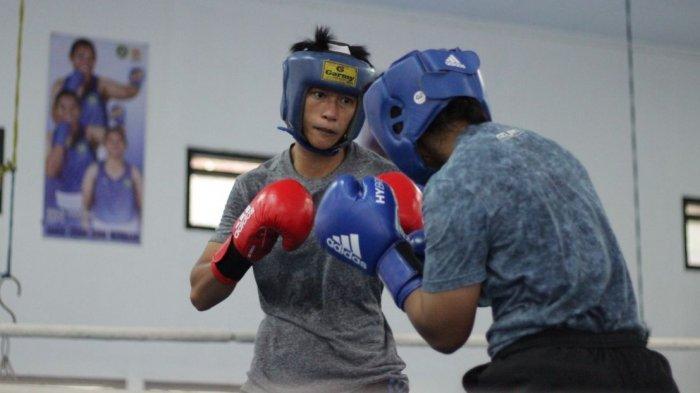 Erny Amalia, atlet tinju perempuan Jabar kelas 51 Kg