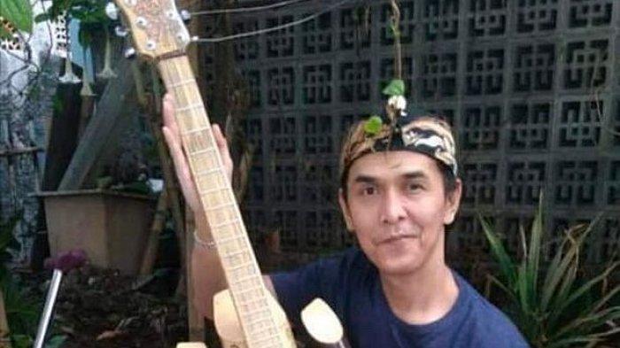 Erry Erlangga, Seniman Penyandang Disabilitas yang Pantang Menyerah, Ciptakan Gitar Bambu Nusantara