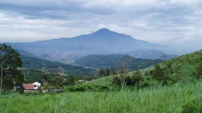 Gunung Tampomas Sumedang