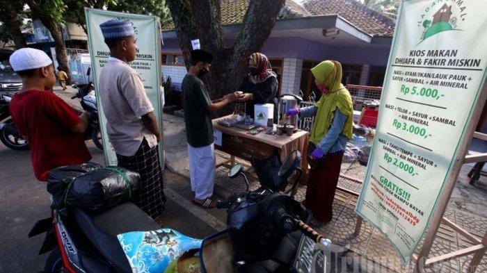 Ladang Amal Bandung Bagikan Keperluan Bagi yang Terdampak Pandemi Covid-19