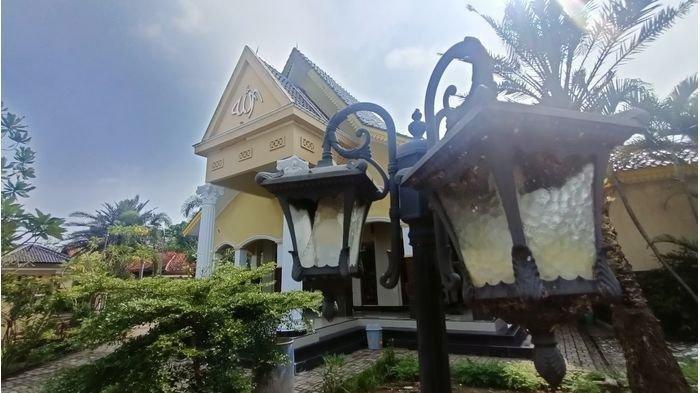 Masjid Al-Muthmainah di Desa Cikedung Lor, Kecamatan Cikedung, Kabupaten Indramayu