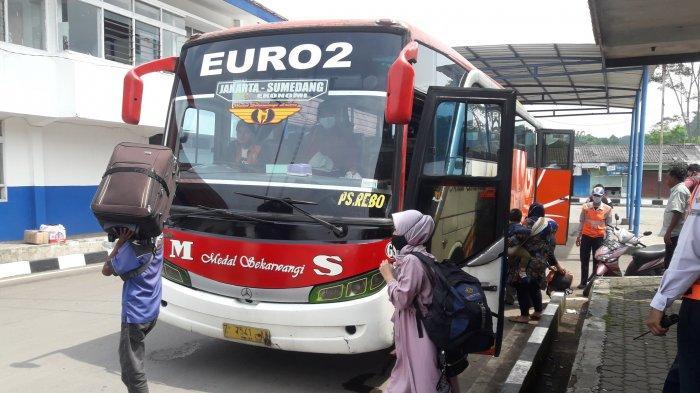 Pemudik tiba di Sumedang, Rabu (5/5/2021), sehari sebelum larangan mudik diberlakukan