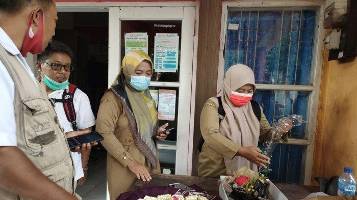Persiapan penyambutan Rendi Maulana oleh Pemerintah Kecamatan Kalipucang, Kabupaten Pangandaran