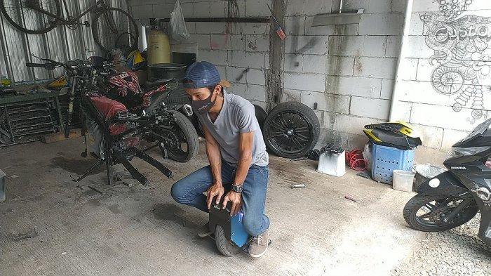 Rixy Julian Rahmat Tidak Tamat SMK Tapi Mampu Ciptakan Kendaraan Listrik yang Banyak Dipesan