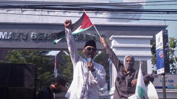 Ketua DPRD Indramayu, Syaefudin ikut serta dalam demonstrasi membela Palestina