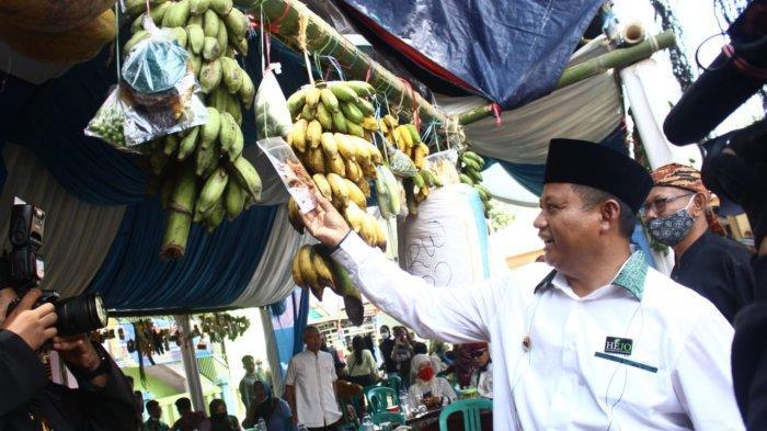 Wakil Gubernur Jawa Barat Uu Ruzhanul Ulum meresmikan Desa Karedok sebagai Desa Wisata, Kamis (8/4/2021).