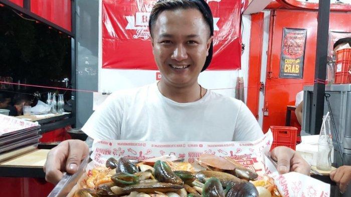 Agung Raih Omzet Rp 2 Miliar Per Bulan Berkat Kerja Keras Membangun Bisnis Seafood Kiloan Bang Bopak