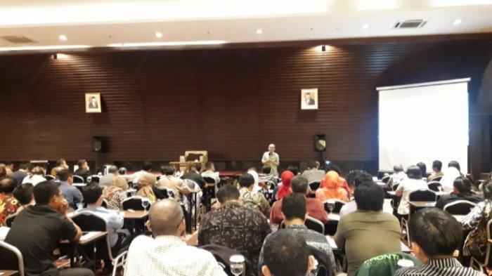 AMA Bandung Gelar Seminar Soal Peluang dan Tantangan Ekonomi Indonesia Tahun 2020