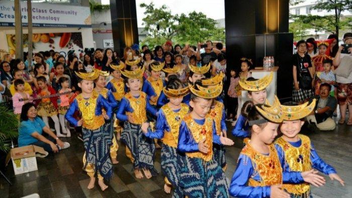 Wadahi Bakat Siswa, YPII Kantor Cabang Bandung Gelar Penampian Seni dan Menari Bersama 200 Siswa