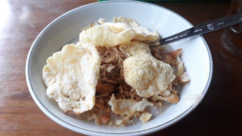 Bubur Ayam Legendaris khas Cirebon nan Harum HR Sulaiman di Cikini