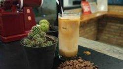 Nikmati Kopi Susu Gula Aren, Perpaduan Kopi Arabika di 160 Coffe