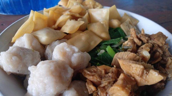 Cobain Tempat Makan Mie Ayam Pangsit di Simpang Kawat di Lapak Tukang Ojek