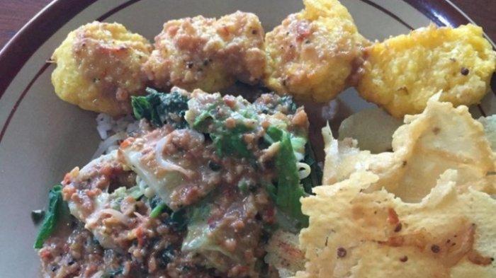 Tempat Makan Pecel di Kota Jambi, Pecel Pincuk Madiun Bu Nuning, Sudah Ramai Pada Pagi Hari