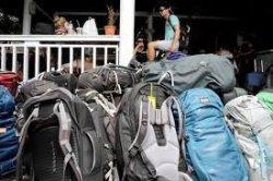 Simak Tips Cara Berkemas, Melipat Pakaian Simpel Ala Backpacker