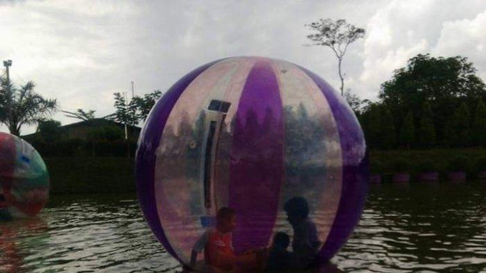 Wahana Menarik di Objek Wisata Jambi Paradise, Cobain Balon Air Isi Libur Akhir Pekan